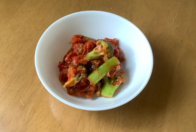 さばとブロッコリーのトマト炒め煮