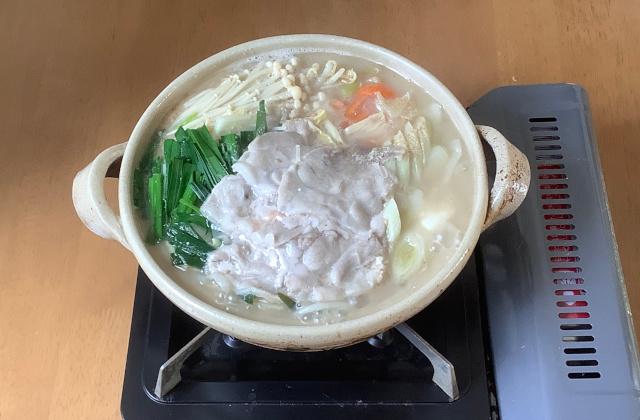 金曜日.ごま豆乳鍋