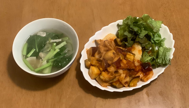 揚げかれいの根菜ラタトゥイユ添え+コンソメスープ