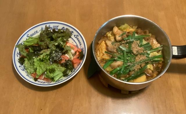 カムジャタン(豚肉とじゃが芋の甘辛鍋)+チョレギサラダ