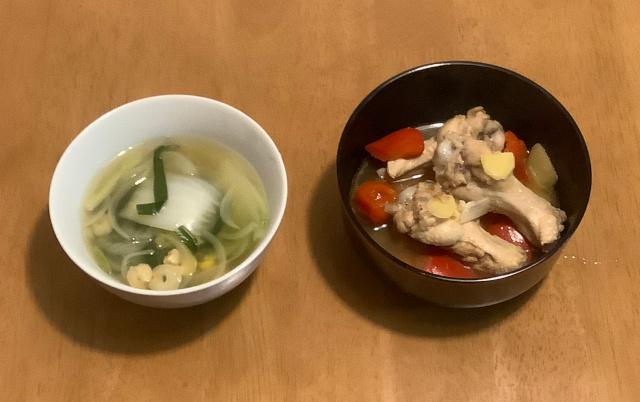 アドボ(フィリピン風手羽元煮)+えびと野菜のスープ