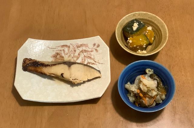 水曜日.氷温造り白身魚の西京焼+かぼちゃのそぼろあんかけ+キャベツと昆布のお浸し